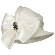 Big Bow Velvet Hat - Ivory