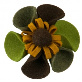 6 Petal Sunflower Pin and Clip - Green Yellow