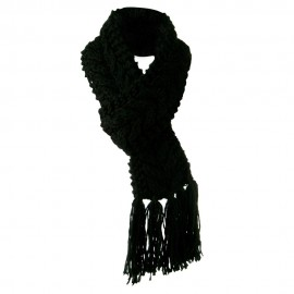 Woman's Thick Cable Knit Scarf