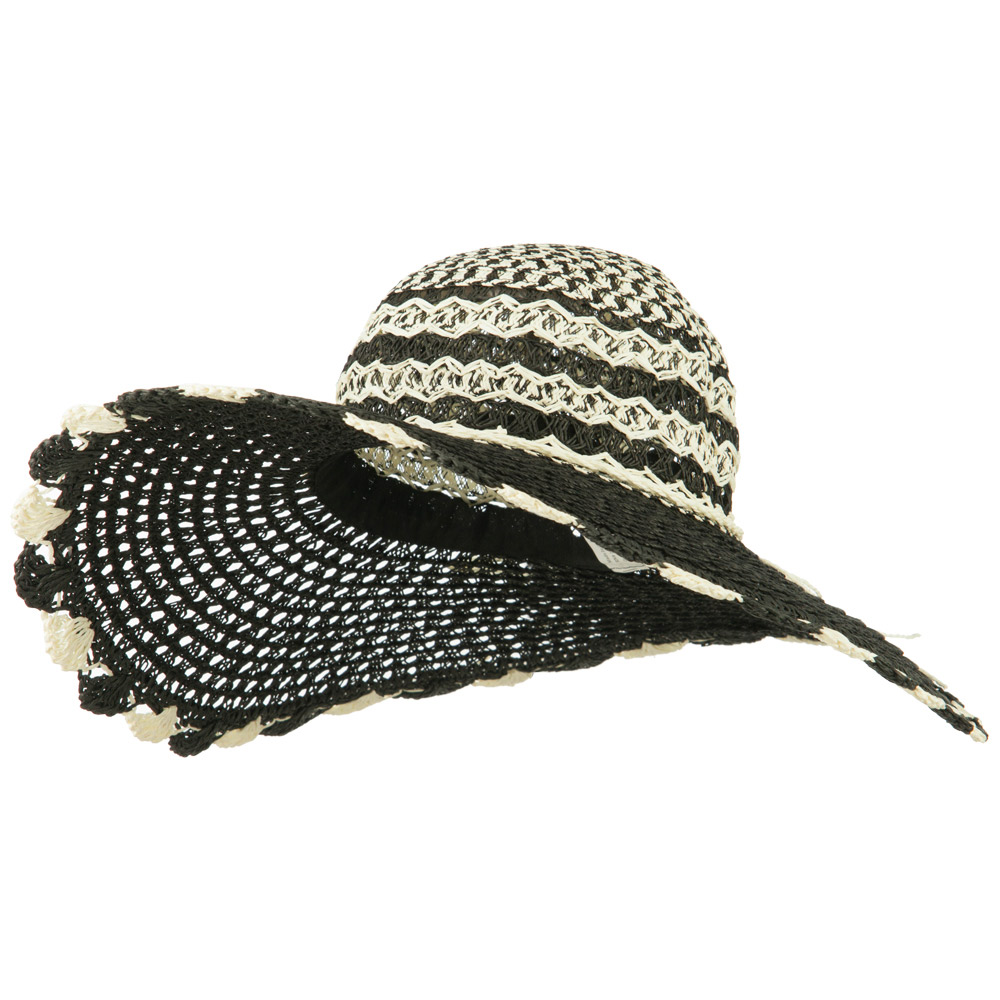 Women's Criss Cross Flat Brim Hat - Black Cream